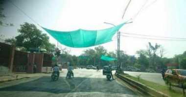Panas Ekstrem di India, Lampu Merah Dipasangi Jaring
