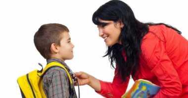 Tujuh Hal yang Perlu Diajarkan ke Pengasuh Anak