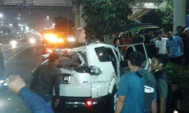 Kecelakaan Tunggal, Pajero Ringsek di Tol Senayan