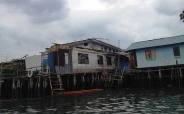 Angin Puting Beliung Hantam 18 Rumah di Pulau Buluh