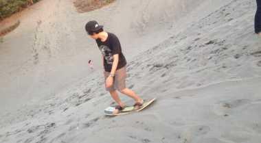 Sandboarding Yogyakarta Mendadak Ramai di Long Weekend