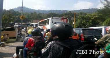 Truk Terguling di Jalur Yogyakarta-Gunungkidul Perparah Kemacetan Libur Panjang