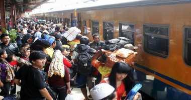 Libur Panjang, Penumpang Kereta dari Surabaya Mencapai 32 Ribu Per Hari