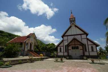 Menengok Gereja Berusia Satu Abad di Flores