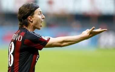 AC Milan Resmi Perpanjang Kontrak Tiga Pemainnya