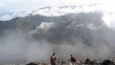 Dua Pendaki di Semeru Ditemukan, Keluarga Bertolak ke Malang