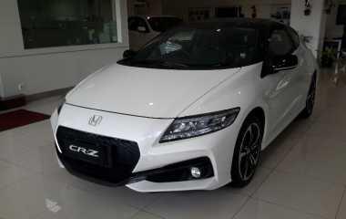 Mobil Sport Hybrid Honda CR-Z Dipesan 130 Unit di Indonesia