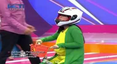 Live Dahsyat: Host Bandingkan Felicya dengan Raya 'Anak Jalanan'