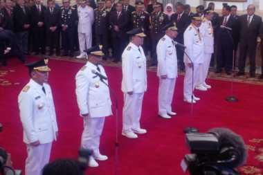 Jokowi Lantik Pengganti Gubernur yang Tersandung Kasus