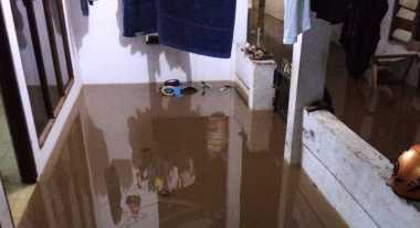 Banjir di Pondok Labu Tak Kunjung Surut