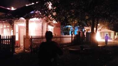 Kerusuhan di Timika Makin Parah, Enam Rumah Warga Dibakar