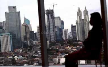 Diduga Mabuk, Bule Australia Nangkring di Atap Hotel Selama Empat Jam