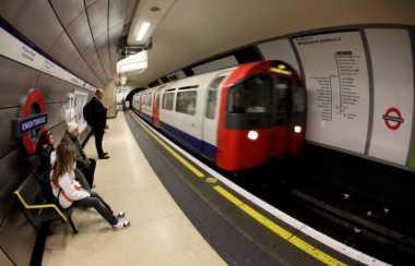 Kereta Api di London Kini 24 Jam