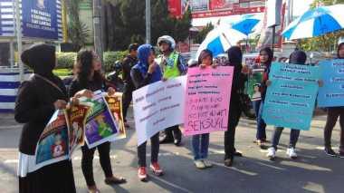 Ibu-Ibu Jombang Desak Pemerintah Sahkan RUU Kekerasan Seksual