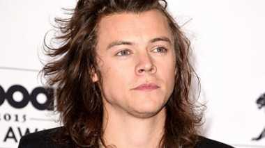 Harry Styles Syuting Dunkirk dengan Rambut Baru