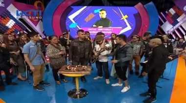 Live Dahsyat: Ahmad Dhani Rayakan Ultah ke-44 di Dahsyat