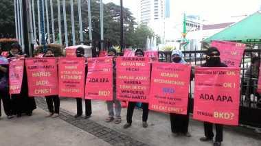 Guru Demo Kepala BKD DKI Dipecat, Ahok Berang