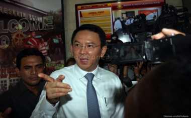 Ahok Tuding Oknum Pengurus RW di Jakbar Jual Lapak PKL