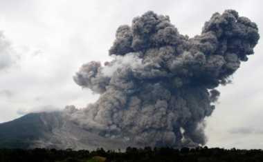 Hujan Hambat Pergerakan Abu Vulkanik Sinabung