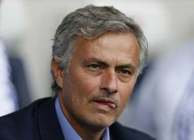 Soccerpedia: Gaya Taktik Mourinho vs Tradisi Permainan Man United