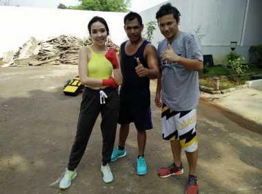 FOTO: Gisella Anastasia Latihan Boxing Demi Badan Indah