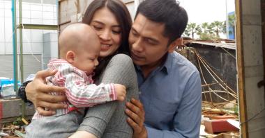 FOTO: Ekspresi Menggemaskan Bayi Adi Nugroho-Donita Ngambek