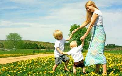 Mengubah Anak Pendiam Menjadi Pribadi Ceria