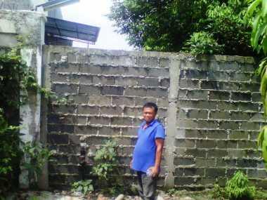 Janda di Bekasi Terkurung Tembok Perumahan