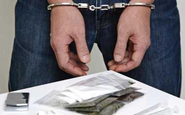 Simpan Sabu dalam Bungkus Permen, Pengedar Narkoba Ditangkap