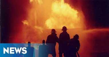 Angkot Hangus Terbakar di Cengkareng