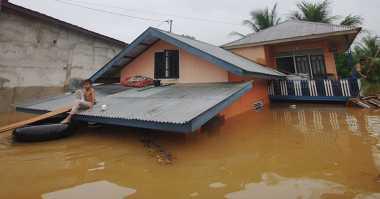 Banjir di Luwu Hampir Capai Atap Rumah