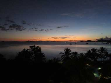Menanti Matahari Terbenam di Pantai Wae Cicu Labuan Bajo