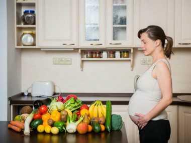 Calon Ibu Harus Makan Buah agar Anak Cerdas