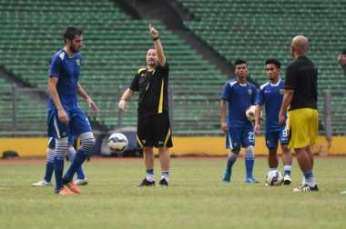 Persib Ditahan Madura United