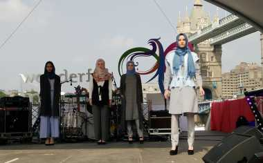 Indonesian Weekend London, Cantiknya Model Bule Berbusana Muslim