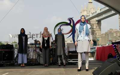 Indonesian Weekend London, Cantiknya Model Bule Berbusana Muslim