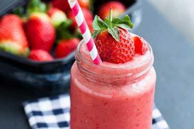 Resep Paduan Strawberry Smoothie dengan Yogurt