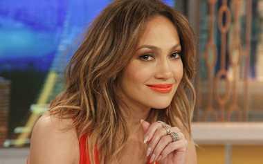 Jennifer Lopez Diberi Pijatan Kepala oleh Sang Anak