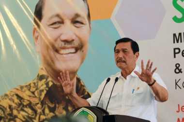 Berhalangan Hadir, Jokowi Utus Luhut Baca Pidato di Rakernas PAN