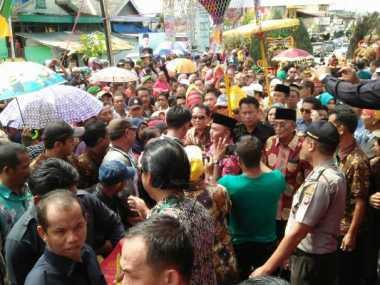 Usai Dilantik Jokowi, Gubernur Kalteng Diarak Ribuan Warga