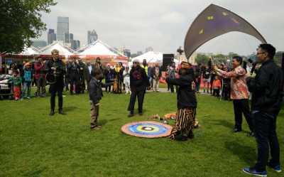 Permainan Gasing di Indonesian Weekend Hebohkan Anak-Anak London