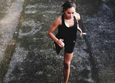FOTO: Adinia Wirasti Sapa Netizen dengan Lari Pagi