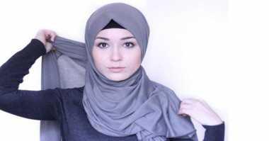 Trik Tampil Stylish dengan Hijab