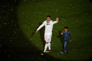 Hot Soccer: Ronaldo Menunjukkan Bukti Kesetiannya terhadap Real Madrid