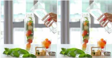 FOTO: Mau yang Segar-segar? Bikin Melon & Mint Infused Sparkling Water Aja