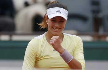 Garbine Muguruza Libas Svetlana Kuznetsova di 16 Besar French Open 2016