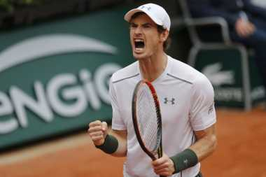 Ladeni John Isner Tiga Jam, Andy Murray Tembus Perempatfinal French Open 2016