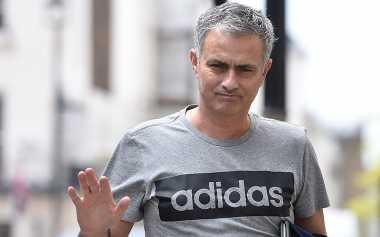 Jose Mourinho ke Manchester United, John Terry: Saya Harap Ryan Giggs Tidak Hengkang