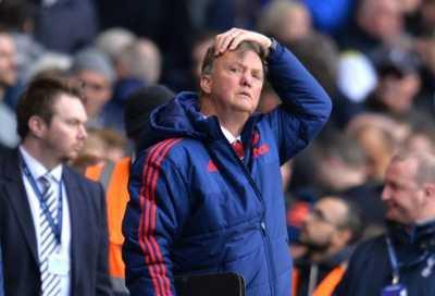 Dipecat Manchester United, Van Gaal Bersantai di Portugal