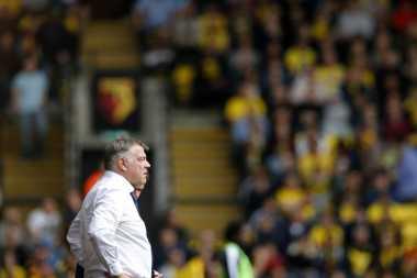 Pelatih Sunderland Joget Bareng Rihanna Usai Lolos Zona Degradasi Premier League